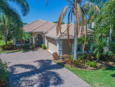 Jensen Beach Single Family Home For Sale: 4724 NW Red Maple Drive