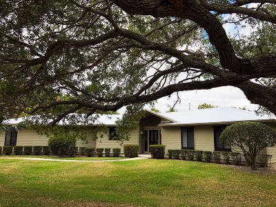 Stuart Single Family Home For Sale: 3965 SE Old Saint Lucie Boulevard