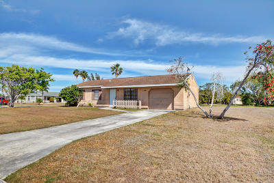 Port Saint Lucie Single Family Home For Sale: 1501 SE Belgius Court