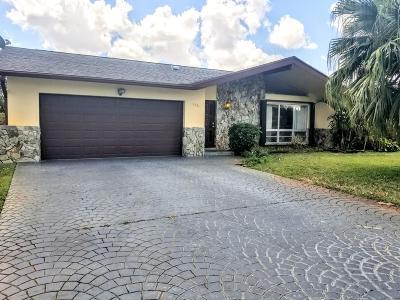 Royal Palm Beach Single Family Home For Sale: 120 Meadowlark Drive
