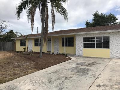 Stuart Single Family Home For Sale: 1123 SE Alamanda Lane