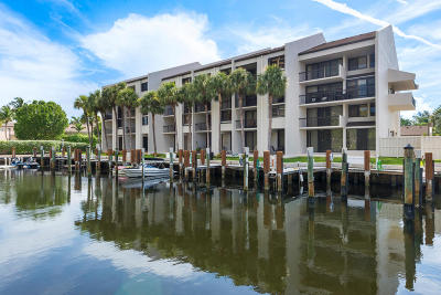 Highland Beach Townhouse For Sale: 4746 S Ocean Boulevard #11