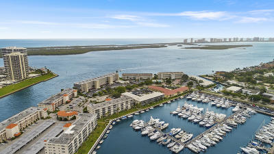 North Palm Beach Condo For Sale: 21 Yacht Club Drive #103