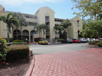North Palm Beach Condo For Sale: 700 Uno Lago #403