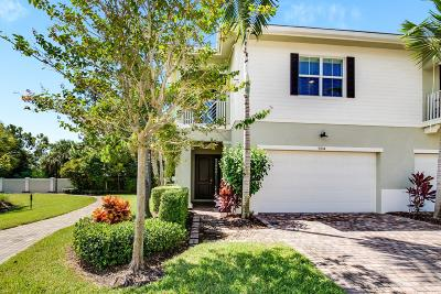 Palm Beach Gardens Townhouse For Sale: 5204 Cambridge Court