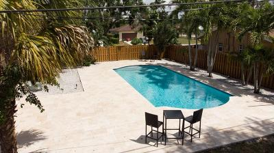 Lake Worth Single Family Home For Sale: 7 W Arch Drive
