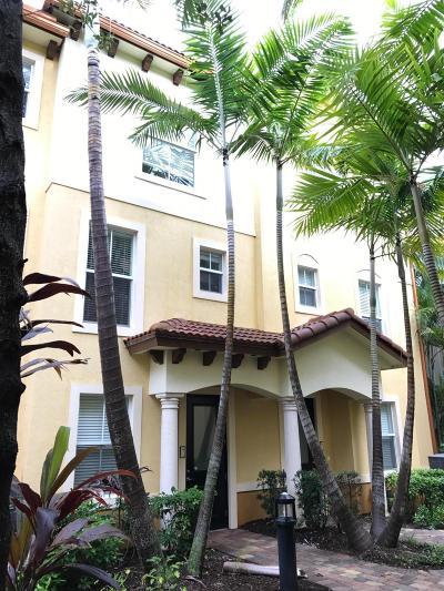 Boynton Beach Townhouse For Sale: 2682 Federal Highway #19