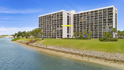 North Palm Beach Condo For Sale: 356 Golfview Road #705