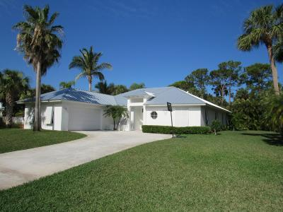 Hobe Sound Single Family Home For Sale: 8523 SE Wilkes Place
