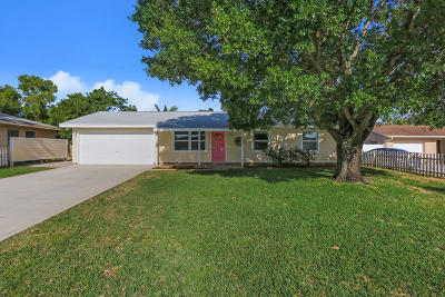 Jupiter Single Family Home Contingent: 19047 SE Bryant Drive
