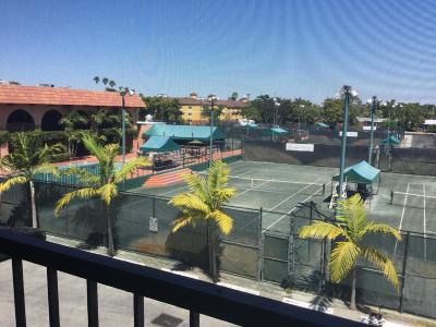 Fort Lauderdale Condo For Sale: 660 Tennis Club Drive #301