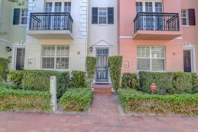 Delray Beach Townhouse For Sale: 1048 E Heritage Club Circle