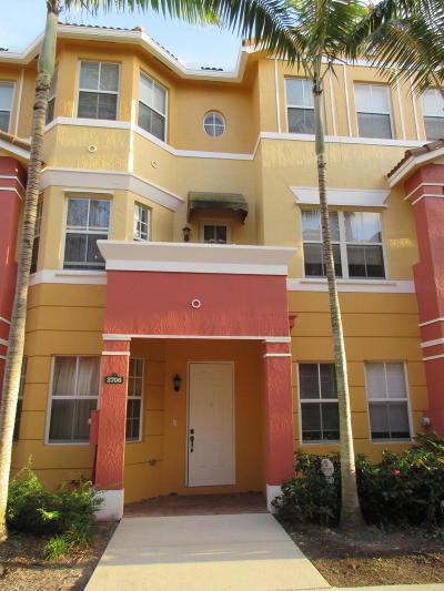 Royal Palm Beach Townhouse For Sale: 3706 Shoma Drive