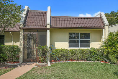 Golden Lakes Village Single Family Home Contingent: 105 Lake Terry Drive