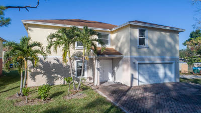 Fort Pierce Single Family Home For Sale: 2207 S 33rd Street