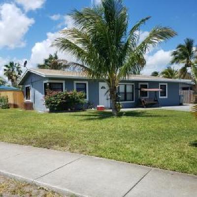 Pompano Beach Single Family Home For Sale: 2401 NE 11th Av