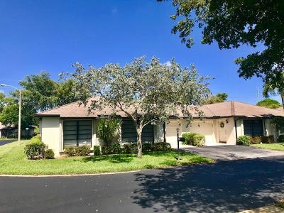 Boynton Beach Single Family Home For Sale: 4895 Equestrian Circle #A