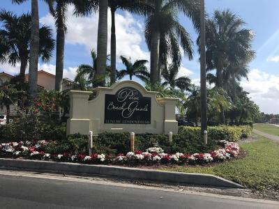 Royal Palm Beach Condo For Sale: 1525 Lake Crystal Drive #E