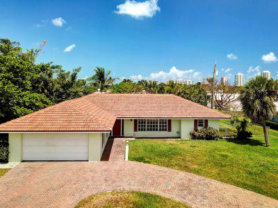 Singer Island Single Family Home For Sale: 1160 Coral Way