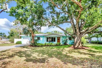Stuart Single Family Home For Sale: 803 SE Dolphin Drive