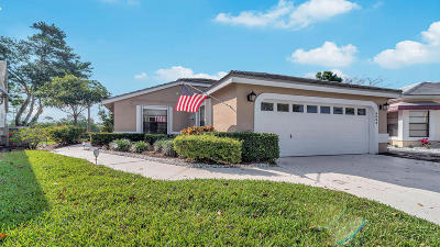 Lake Worth Single Family Home For Sale: 8064 Burlington Court