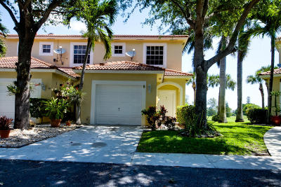 Boynton Beach Townhouse Contingent: 9486 S Military Trail #5