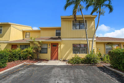 Delray Beach Townhouse Contingent: 5317 Jog Lane