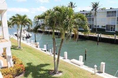 North Palm Beach Condo For Sale: 110 Shore Court #206