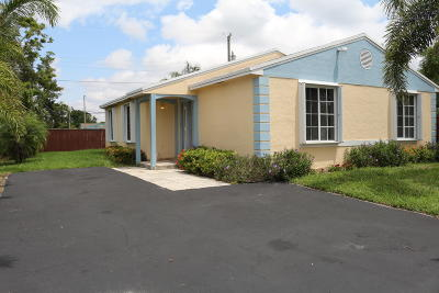 Delray Beach Single Family Home For Sale: 715 SW 2nd Court