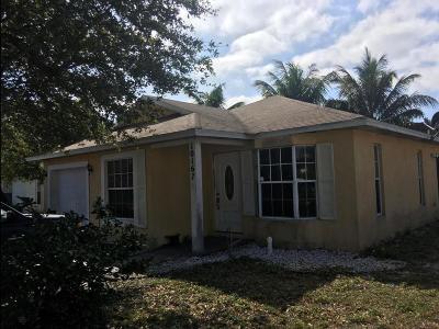 Boynton Beach Single Family Home For Sale: 10167 Boynton Place Circle