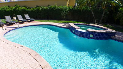 Boca Raton Single Family Home For Sale: 6613 Hampton Circle