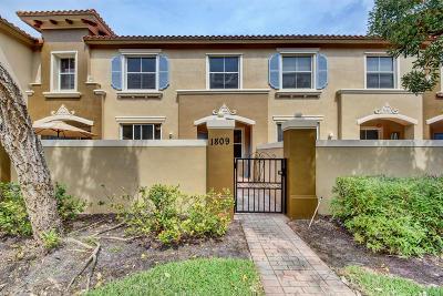 Royal Palm Beach Townhouse For Sale: 6516 Morgan Hill Trail #1809