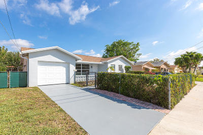 Boca Raton Single Family Home For Sale: 9333 SW 3rd Street