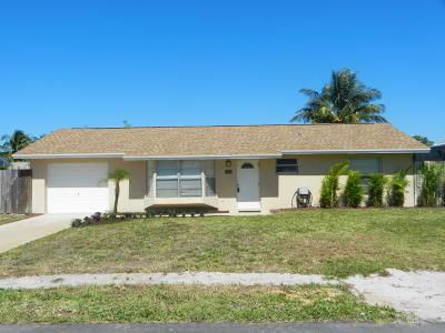 Hobe Sound Single Family Home For Sale: 8713 SE Sandridge Avenue