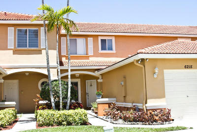 West Palm Beach Townhouse For Sale: 6215 Eaton Street