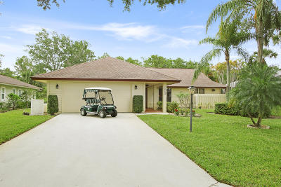 Hobe Sound Single Family Home Contingent: 12782 SE Royal Troon Court