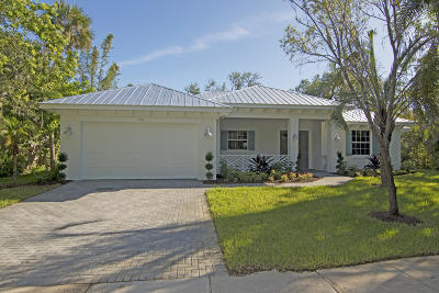 Indian River County Single Family Home For Sale: 530 Acacia Road