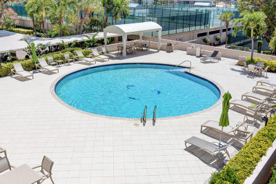 Yacht & Racquet Club Of Boca Raton, Yacht & Racquet Club Of Boca Raton Condo Condo For Sale: 2727 Ocean Boulevard #A202
