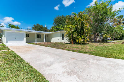 Stuart FL Single Family Home For Sale: $275,000