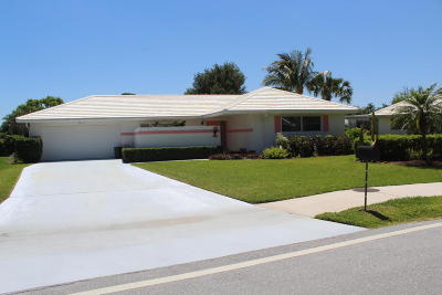 Tequesta Single Family Home For Sale: 9400 SE Little Club Way