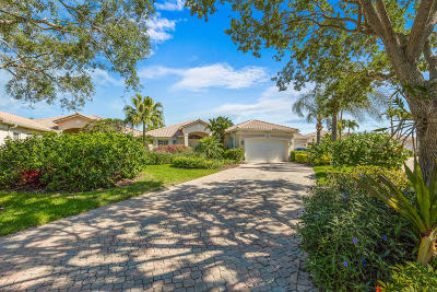 Jupiter Single Family Home For Sale: 111 Village Clubhouse Circle