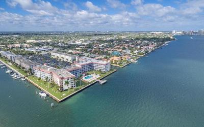 North Palm Beach Condo For Sale: 108 Paradise Harbour Boulevard #204
