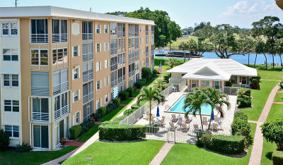 North Palm Beach Condo For Sale: 304 Golfview Road #105