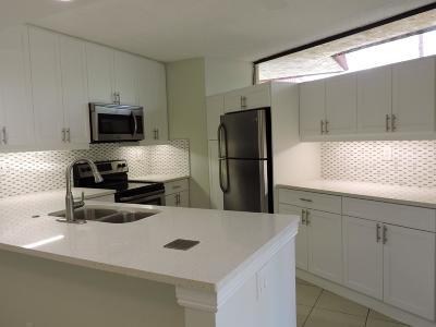 Boca Raton FL Townhouse For Sale: $235,000