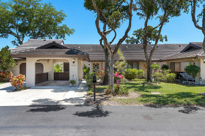 Boynton Beach Single Family Home For Sale: 10076 Laurelwood Place