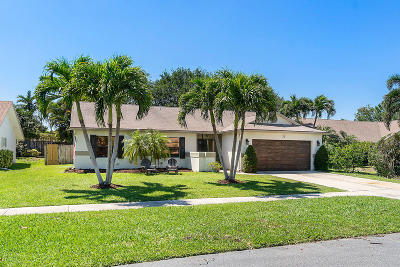 Boynton Beach Single Family Home For Sale: 30 Cedar Circle