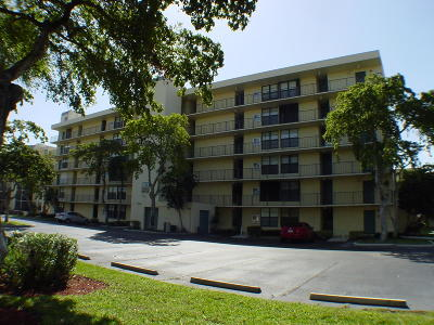 Condo For Sale: 9 Royal Palm Way #202