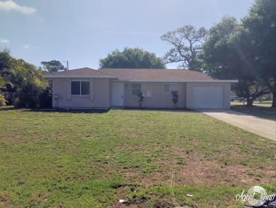 Port Saint Lucie Single Family Home For Sale: 701 NW Cabot Street