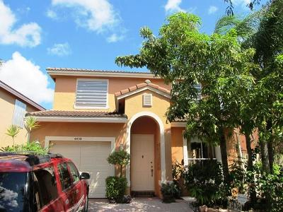West Palm Beach Single Family Home For Sale: 4450 Lake Lucerne Circle