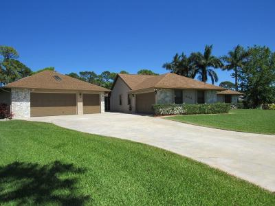 Jensen Beach Single Family Home Contingent: 3021 NE Pinecrest Lakes Boulevard